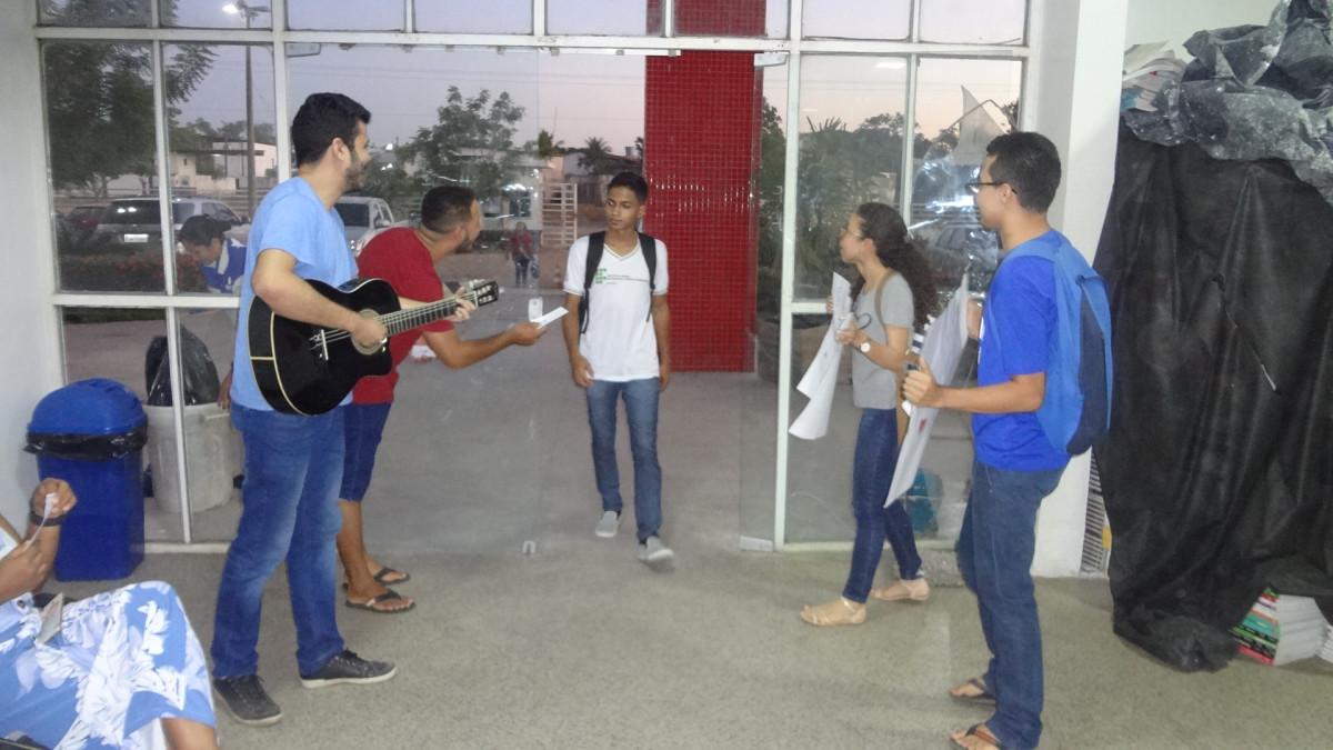 Grupo De Oração Recepciona Alunos Dos Cursos Superiores